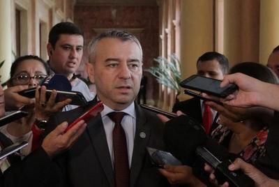 División causó la derrota, dijo asesor del presidente