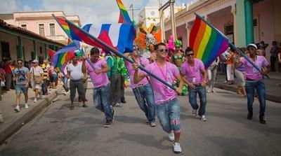 Activistas LGBT de Cuba critica al gobierno por cancelar desfile