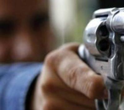 Presuntos sicarios asesinan a un joven en Ciudad del Este