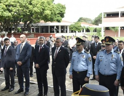 Abdo Benítez emplaza a ministros a mejorar gestión