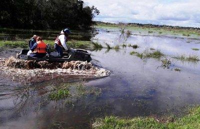 A pedido del párroco, EBY presta un vehículo anfibio
