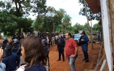 Desalojan a 200 familias en Itauguá