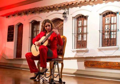 Guitarrista paraguaya visita el viejo mundo