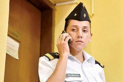 Otorgan indulto a teniente sancionada y asumen que leyes militares están desfasadas