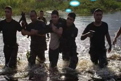 Linces se lanzan al agua para detener a malviviente