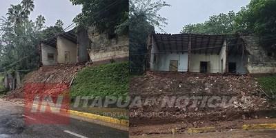 ANTIGUA CONSTRUCCIÓN SE DERRUMBA EN ENCARNACIÓN.
