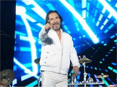 Marco Antonio Solís canta con sus hijas ¿Dónde estará mi primavera?
