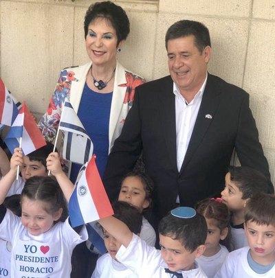 Otro mimo para Cartes en Israel