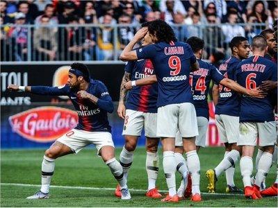 Neymar conduce al triunfo al París Saint Germain