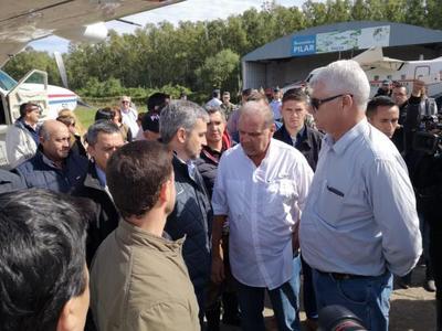 Presidente llega a Pilar para solidarizarse y verificar efectividad de ayuda del Estado