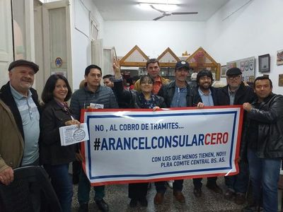 Protestan por cobro de aranceles en el Consulado en Buenos Aires