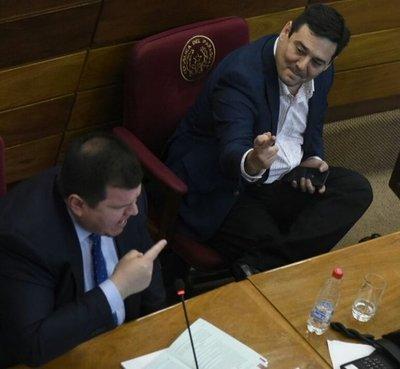 Buzarquis tilda de empleado de Cartes a Enrique Riera