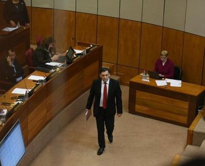 35 votos para destituir a Bogado