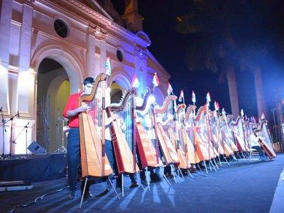 Villarrica celebró 449 años de fundación con atractiva serenata