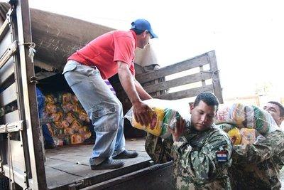 Intenso trabajo de instituciones en pleno feriado para ayudar a damnificados