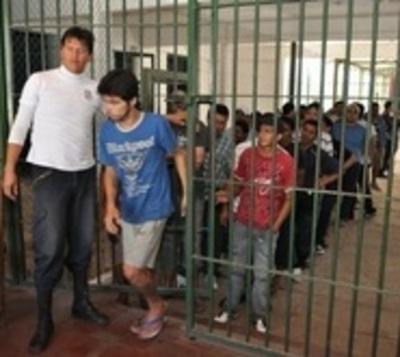 Prevén cierre temporal de Penal de Tacumbú debido a superpoblación