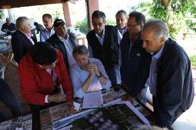 Buscan acelerar procesos para inicio de la construcción del puente Carmelo Peralta-Murtinho