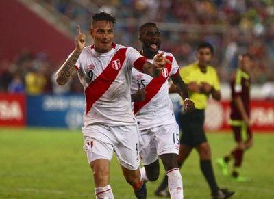Guerrero lidera la prelista de Perú