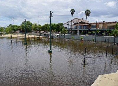 Inundaciones dejan 13.500 alumnos afectados