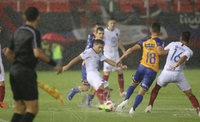 HOY / Cerro y Luqueño reanudan su lance