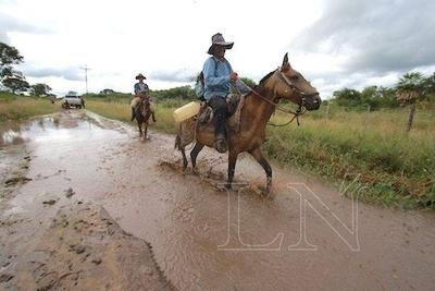 HOY / MOPC tendrá 180 días para arreglar caminos destruidos tras las lluvias