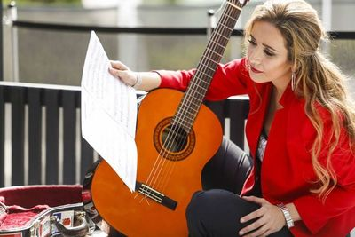 Daiana Ferreira ofrece un concierto en Suecia por fiesta de la patria