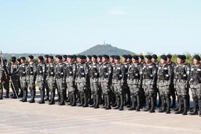 Jefe de Estado asiste a clausura de curso de Operaciones Especiales Motorizadas