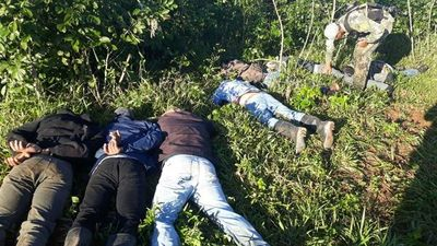 Caen 7 policías con 400 kilos de cocaína en pista clandestina