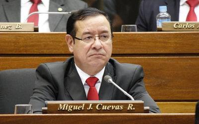 Realizan allanamiento a estancia de Miguel Cuevas