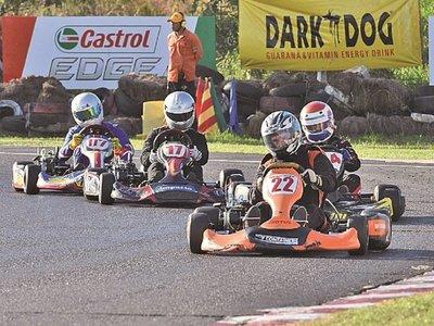 Corren la fecha 4 del karting