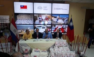 HOY / 300 toneladas de arroz y  15.600 kits de limpieza dona  Taiwán a los inundados
