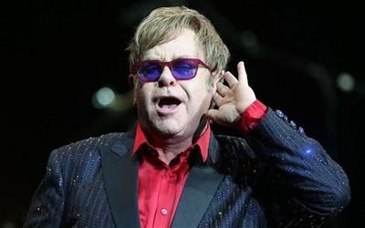 Elton John lanza nuevo videoclip