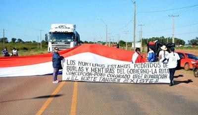 Cierran ruta Concepción-Pozo Colorado para exigir arreglo