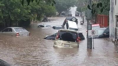 HOY / Concejal plantea que no se cobre tributo por desagüe pluvial mientras no haya obras