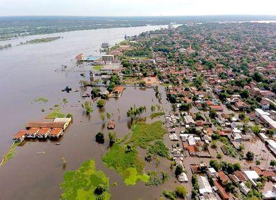 Más de 12.500 familias fueron evacuadas debido a la crecida del Río Paraguay