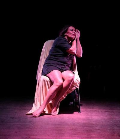"""""""Por las calles del Sur"""", unipersonal protagonizado por Marcela Gilabert"""