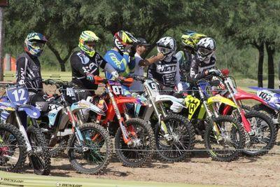 Atraen el motocross y los 4x4