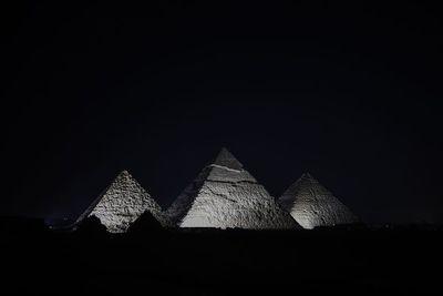 Al menos 17 heridos por explosión en autobús de turistas en El Cairo