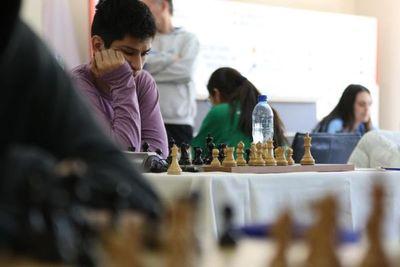 """El argentino Coro ganó el """"Suda"""" sub 20 de ajedrez"""