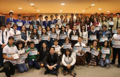 Jóvenes paraguayos irán al Mundial de Informática en EE.UU.