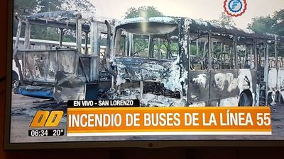 Reducto: Dos buses se quemaron totalmente