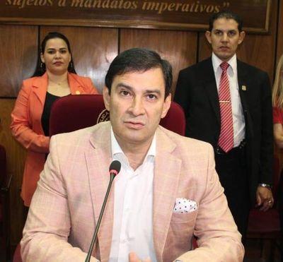 Senado violó la Constitución al no dejarle jurar a Cartes y Nicanor