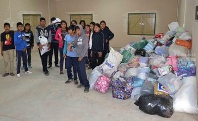 Indígenas juntan donaciones para damnificados