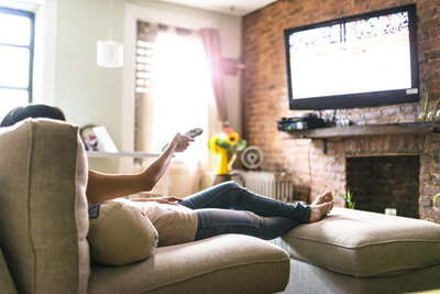 Te explicamos cómo montar un Tv en la pared paso a paso