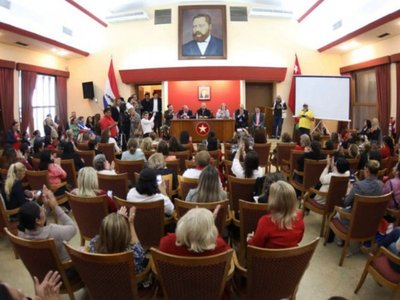 ANR promete a sus afiliadas elecciones de autoridades