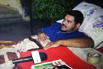 Un lomitero decidió iniciar una huelga de hambre