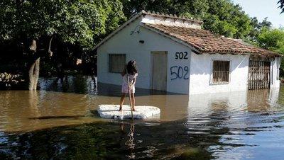 Ministra advierte sobre la vulnerabilidad de los niños ante las inundaciones