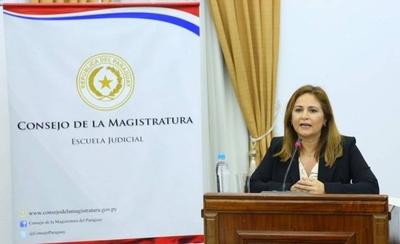 HOY / Lorena Segovia es elegida como nueva Defensora Pública