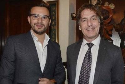 """HOY / 'Recuerdan' ingreso de Carlos Gómez a los medios : """"Llegó siendo el chongo de Enrique Vargas Peña"""""""