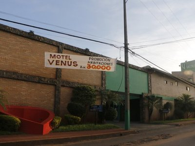 Hendy: Para no pagar motel se prestan el departamento